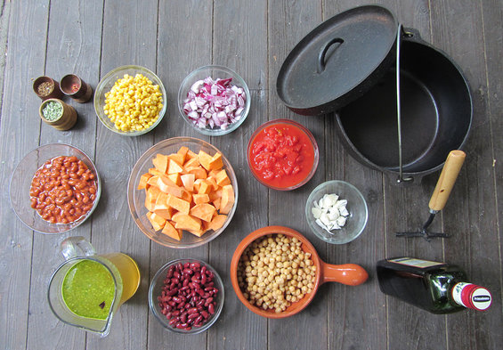 Dutch_oven_chili_ingredienten.jpg