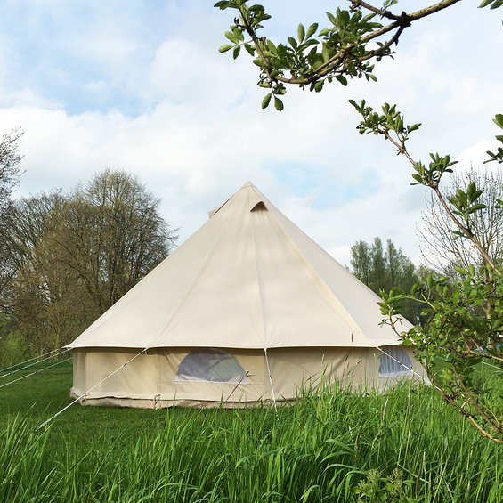 urbans_and_indians_sibley_bell_tent_kleine_grote_tentenshow_2015.jpg